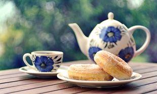 Ελληνικός λουκουμάς με ζάχαρη- Η μυστική συνταγή που τους κάνει αφράτους μέσα και τραγανούς απ' έξω!