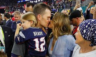 Το τρυφερό φιλί της Gisele στον σύζυγό της μετά το Super Bowl που κάνει το γύρο του διαδικτύου