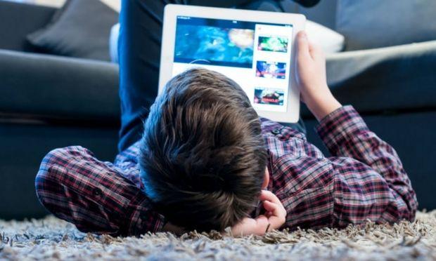 Παγκόσμια ημέρα ασφαλούς πλοήγησης στο διαδίκτυο: Τι να προσέξετε με τα παιδικά video στο YouTube