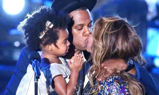 Jay Z: Mέχρι να έρθουν τα δίδυμα, η Blue Ivy θα κυριαρχεί στη ζωή του