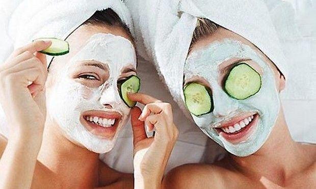 Μάσκα ομορφιάς εξπρές με δύο μόνο υλικά του ψυγείου σας!