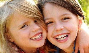 Πώς να βοηθήσω το παιδί μου να γίνει κοινωνικό;
