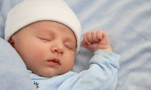 Σε ποια στάση πρέπει να κοιμάται το μωρό;