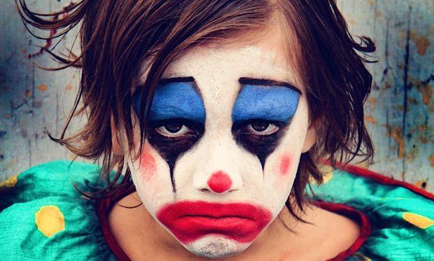 Απόκριες και παιδικές φοβίες: «Μαμά φοβάμαι τον κλόουν και όλους αυτούς τους μασκαράδες»