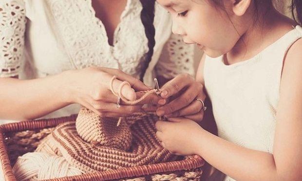 Τα 50 πράγματα που δεν διδάσκουν οι μαμάδες στα παιδιά τους-Το άρθρο που έκανε πολλές γυναίκες έξαλλες