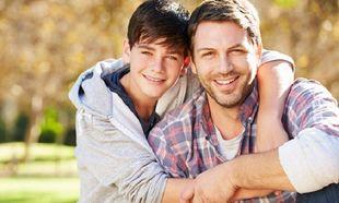 Το σχέδιο ενός μπαμπά με το sms-διέξοδο, αν ο έφηβος γιος χρειαστεί βοήθεια