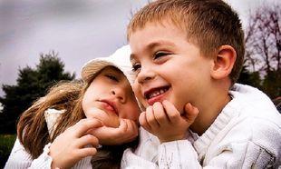 Όταν συμπαθείς τον φίλο του παιδιού σου αλλά όχι τους γονείς του