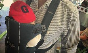 Ελληνίδα ηθοποιός φωτογραφίζει των λίγων μηνών γιο της στην αγκαλιά του άνδρα της και τρελαίνει το διαδίκτυο