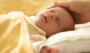 Οι αλλαγές που βιώνει το μωρό στον πρώτο μήνα της ζωής του