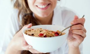 Διατροφικές συμβουλές για να περιορίσετε την πρόσληψη θερμίδων