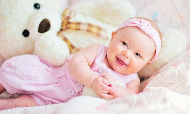 Μωρό 7 μηνών: Όλα όσα πρέπει να γνωρίζετε