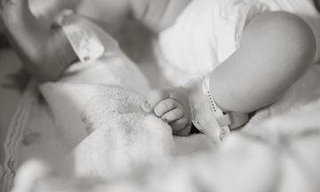 10 φωτογραφίες που πρέπει να έχετε από τη γέννηση του μωρού σας (pics)