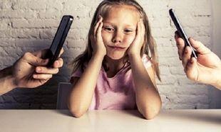 Πώς η χρήση κινητών τηλεφώνων βλάπτει την οικογενειακή ζωή