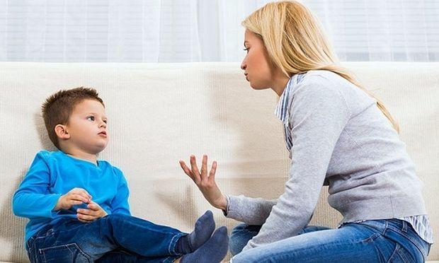 Μιλάτε στα παιδιά και σας αγνοούν; Υπάρχουν τρόποι να έχετε την προσοχή τους