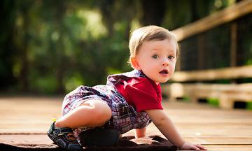 Τι μπορεί να κάνει ένα μωρό 9 έως 12 μηνών