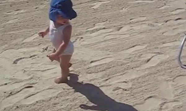 Όταν τα μωρά προσπαθούν να ξεφύγουν από τη σκιά τους, εξελίσσονται στιγμές σαν κι αυτές!