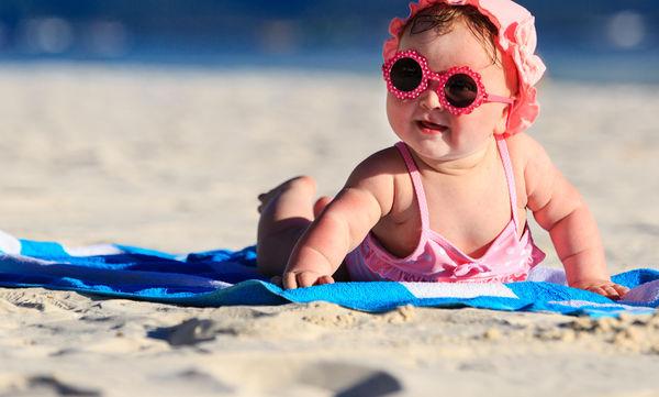 Έξι λόγοι για να πάτε με το μωρό σας στη θάλασσα