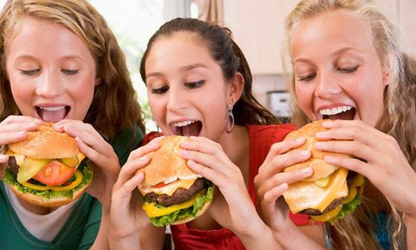 Πόσο πρέπει να τρώει ένα παιδί στην εφηβεία;