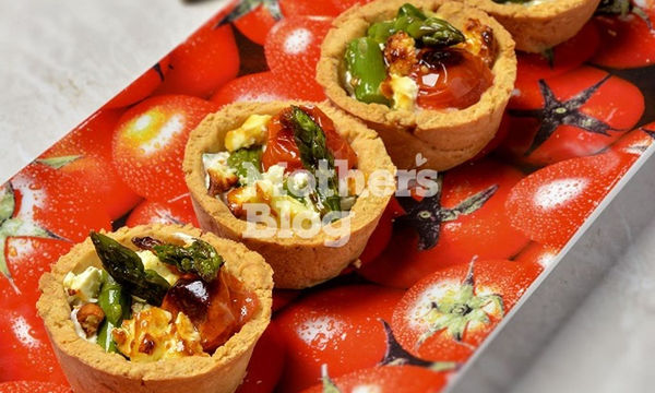 Ταρτάκια με φέτα, σπαράγγια και ντοματίνια από τον Γιώργο Γεράρδο