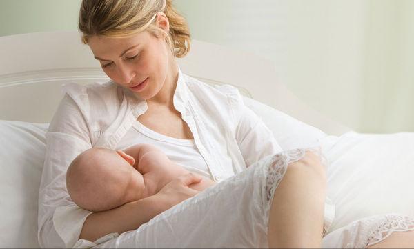 Ο θηλασμός λειτουργεί προστατευτικά και για τη μητέρα- Μειώνει τον κίνδυνο εμφράγματος ή εγκεφαλικού
