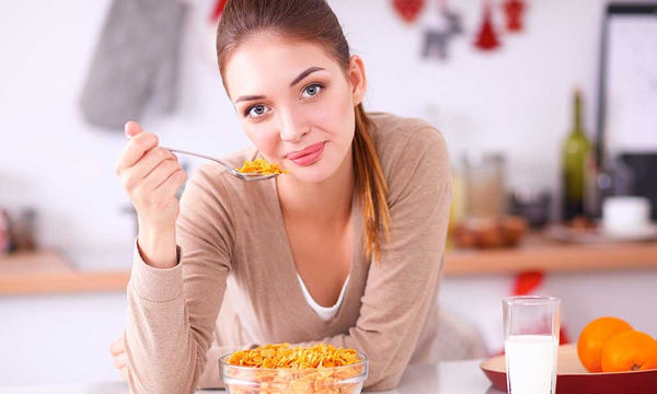 Ποιες διατροφικές συνήθειες μειώνουν την πιθανότητα πρόωρης εμμηνόπαυσης