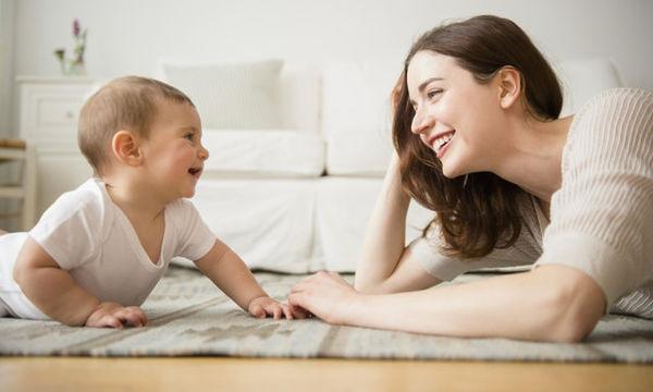 Ποιες δραστηριότητες ενισχύουν την ανάπτυξη του λόγου και της ομιλίας του παιδιού;