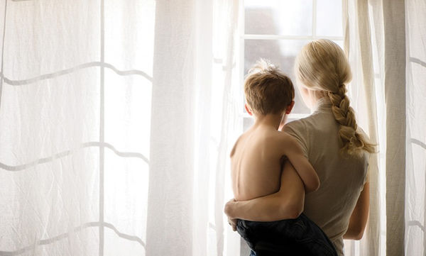 Μήπως ο τρόπος που μιλάτε στον γιο σας τον πληγώνει;
