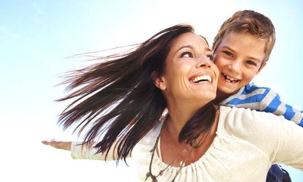 «Οπλίστε» το παιδί σας με αυτοπεποίθηση: Φράσεις που θα το ενθαρρύνουν