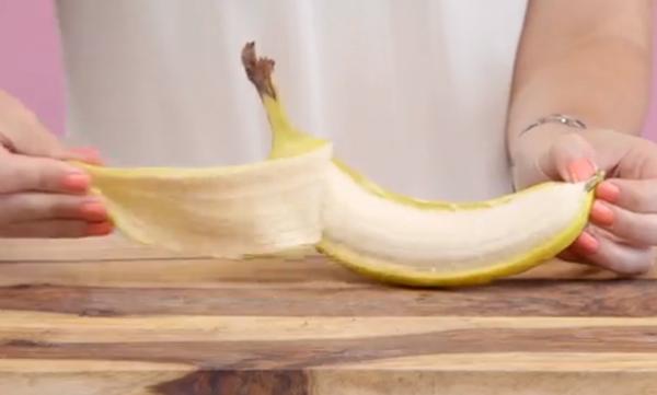 Νομίζετε ότι καθαρίζετε σωστά τα φρούτα; Για δείτε αυτό το βίντεο