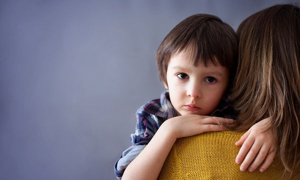 Οικογενειακά προβλήματα και δυσκολίες: Πόσα πρέπει να γνωρίζει το παιδί;