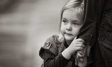 Η κόρη μου φοβάται τον μπαμπά της