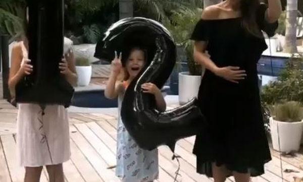 Έκπληξη! Διάσημη ηθοποιός 6 χρόνια μετά έγκυος στο τρίτο της παιδί! (vid)