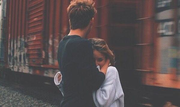 Η σημασία της υποστήριξης των γονέων και των φίλων στις ερωτικές σχέσεις των νέων ενηλίκων