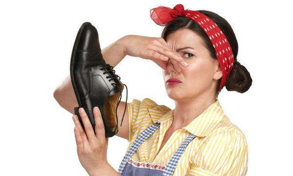 8 tips για να μη μυρίζουν τα παπούτσια το καλοκαίρι