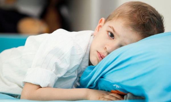 Τι πρέπει να κάνετε όταν το παιδί βρέχει ακόμα το κρεβάτι του