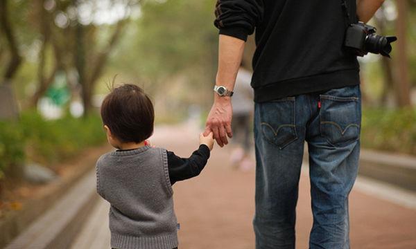 Θα γίνει καλός πατέρας ο σύντροφός σου; 5 + 1 σημάδια που το δείχνουν