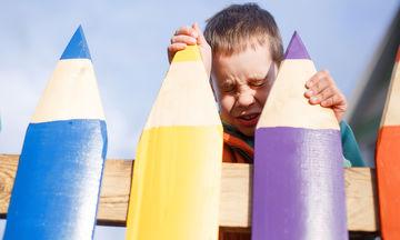 «Δεν μου αρέσει το σχολείο»: Τι μπορεί να κάνει ο γονιός όταν το παιδί του δεν θέλει να πάει σχολείο