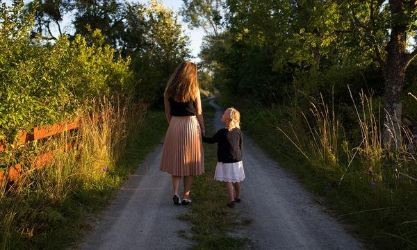 «Τι αλλάζει μέσα σου όταν χάνεις τη μητέρα σου, νέα» - Το διδακτικό γράμμα μίας φοιτήτριας