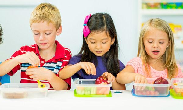 Φαγητό στο σχολείο: Έξυπνες ιδέες για σπιτικό κολατσιό (vid)
