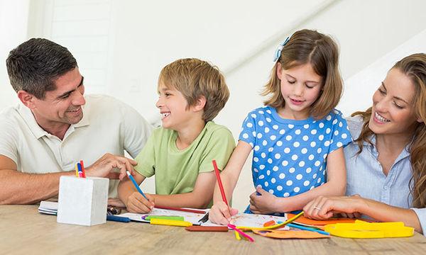 Οι νέες συνήθειες που πρέπει να υιοθετήσουν οι γονείς όταν ανοίγουν τα σχολεία