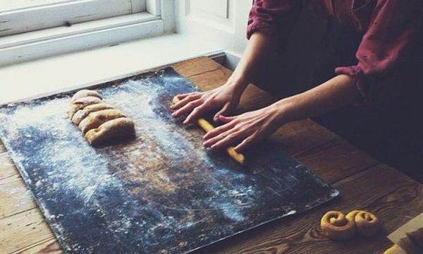 Πέντε tips ζαχαροπλαστικής που θα σας διευκολύνουν (vid)