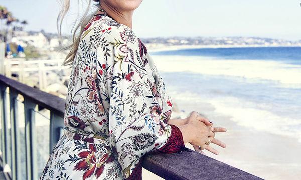 Η εξομολόγηση γνωστής τραγουδίστριας: «Έχω επιλόχειο κατάθλιψη και μετά βίας κουνώ τα πόδια μου»