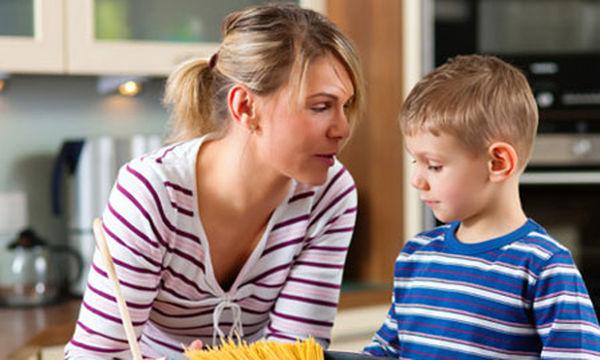 Τα 11 πιο συχνά αθώα ψέματα που λέμε στο παιδί μας