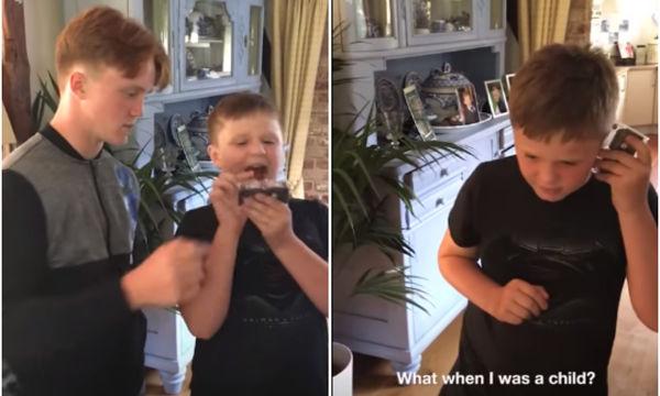 Είδαμε αυτό το βίντεο και νιώσαμε… γιαγιάδες: Παιδιά δεν ξέρουν τι είναι η κασέτα
