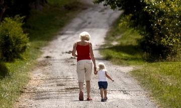 Μία μαμά με ένα παιδί αναρωτιέται πώς είναι να έχεις και δεύτερο