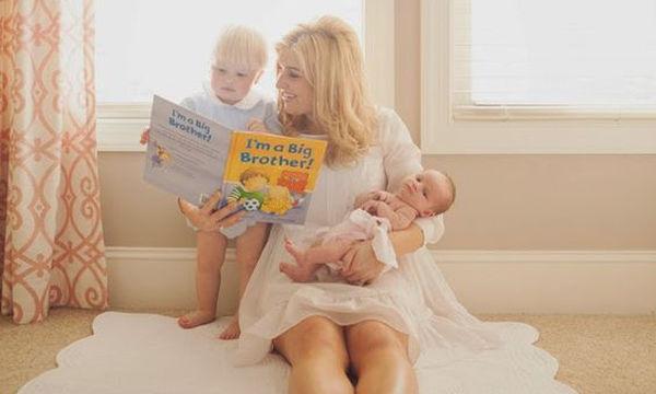 Δεκαοκτώ θετικές φράσεις που πρέπει να επαναλαμβάνουν καθημερινά οι μαμάδες