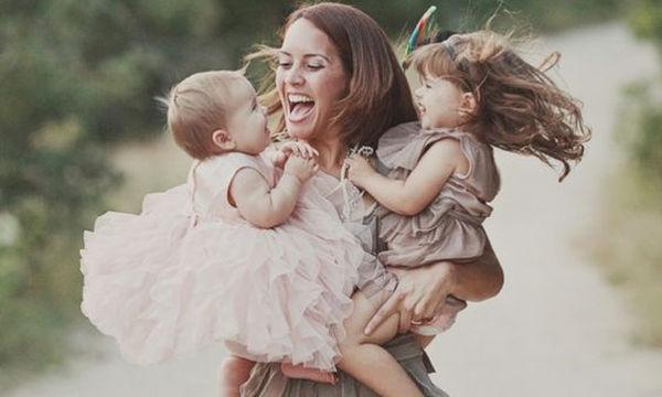 Σούπερ μαμά: Full time «δουλειά», χωρίς λεφτά και ένσημα!