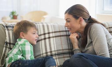 Ψεύδισμα παιδιού: Γιατί συμβαίνει και πώς μπορεί να αντιμετωπιστεί