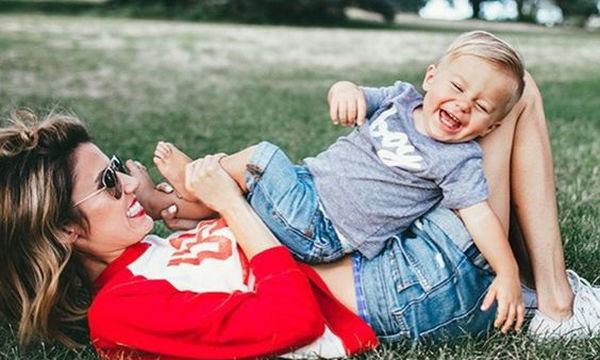 Ορόσημα ανάπτυξης για παιδιά 1 έως 2 ετών - Τι μπορούν να κάνουν