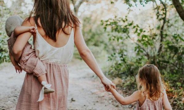 «Για τα παιδιά μου»: Το γράμμα μιας μαμάς στη 12χρονη κόρη της Ελένη και τον 3 ετών γιο της Λουκά
